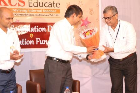 Honouring the Cheif Guest Dr. Mohan Gupta